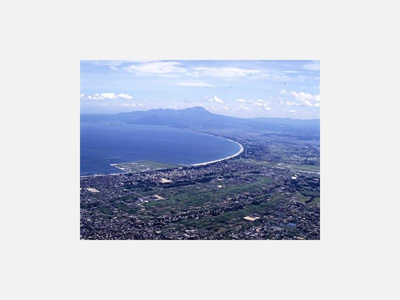 境港上空から大山を望む(航空写真)