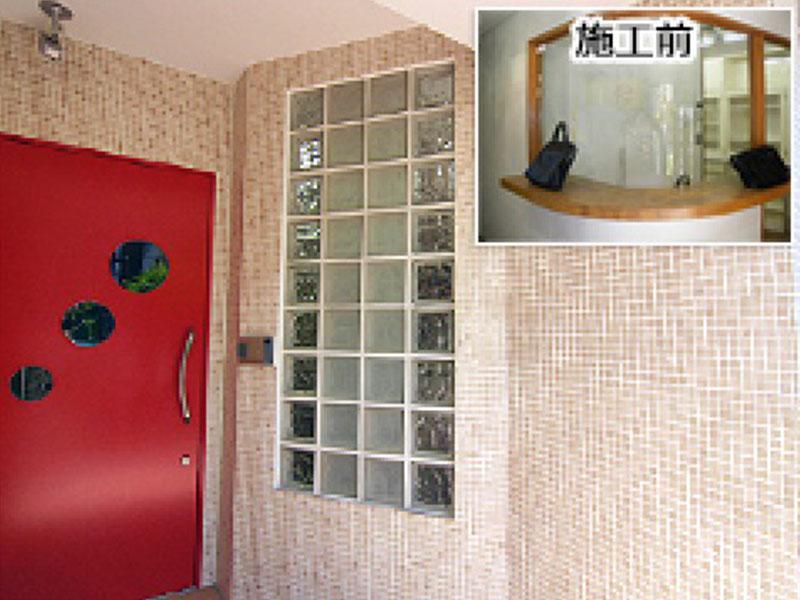 内装施工例: 受付付近は通路とオフィスを遮る壁に