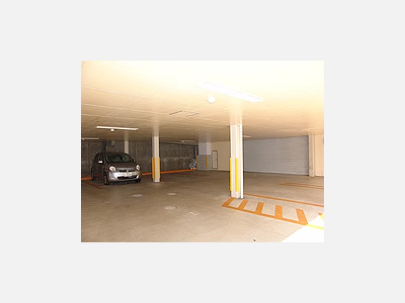 診療所1階南側駐車場