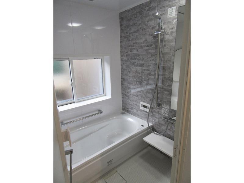 冬でも温かい、お掃除が楽な 浴室のリフォーム