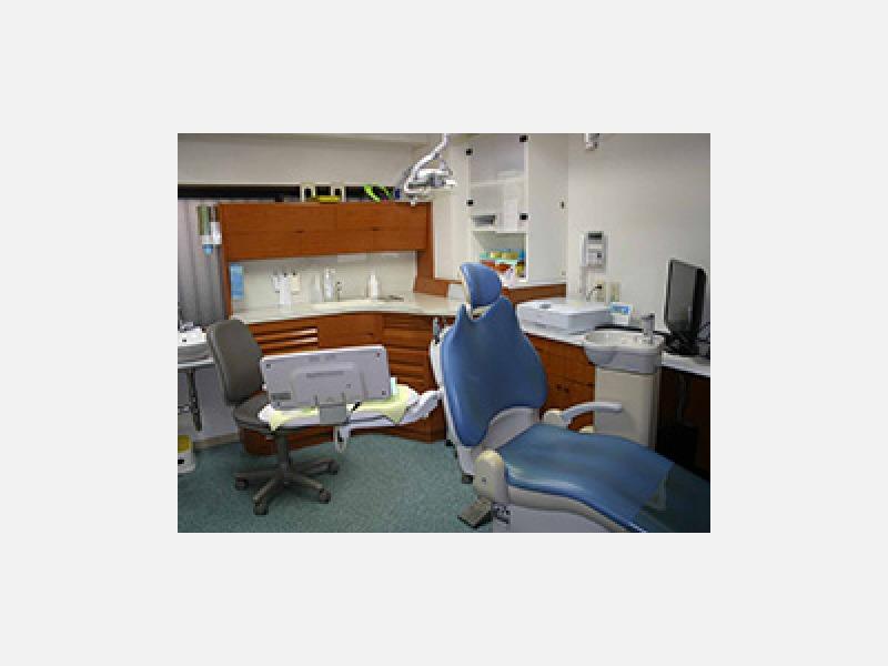診療室(歯科衛生士用)3番