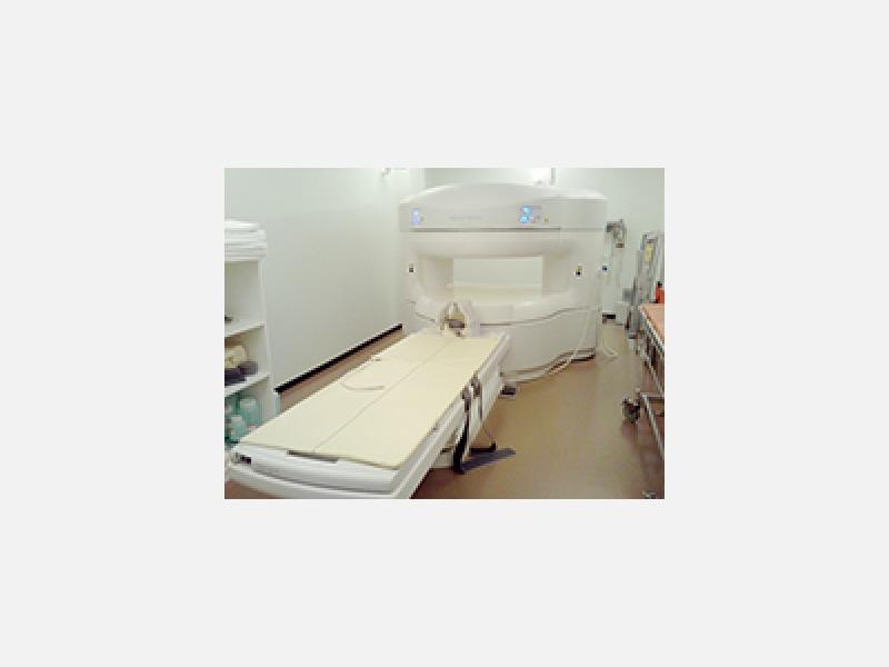 当院のMRIはオープン型なので、狭い所が苦手な方も安心です