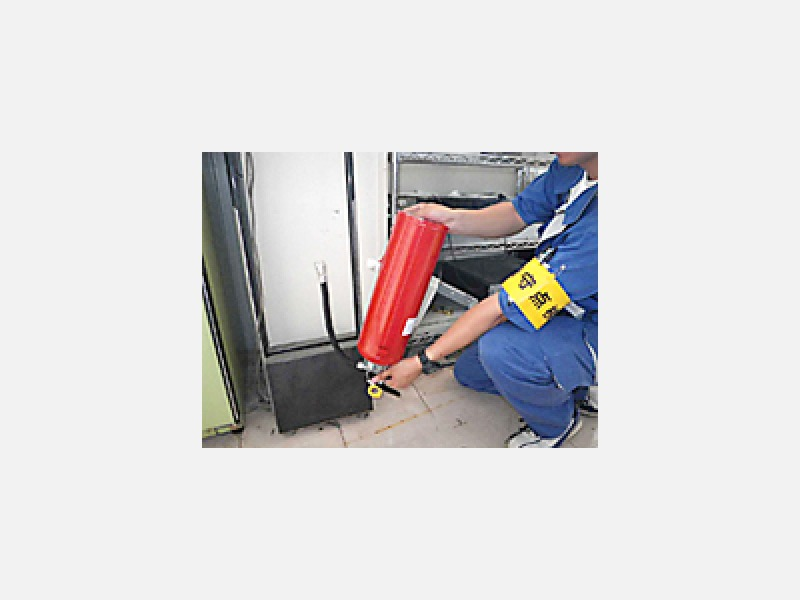 消火器耐圧試験