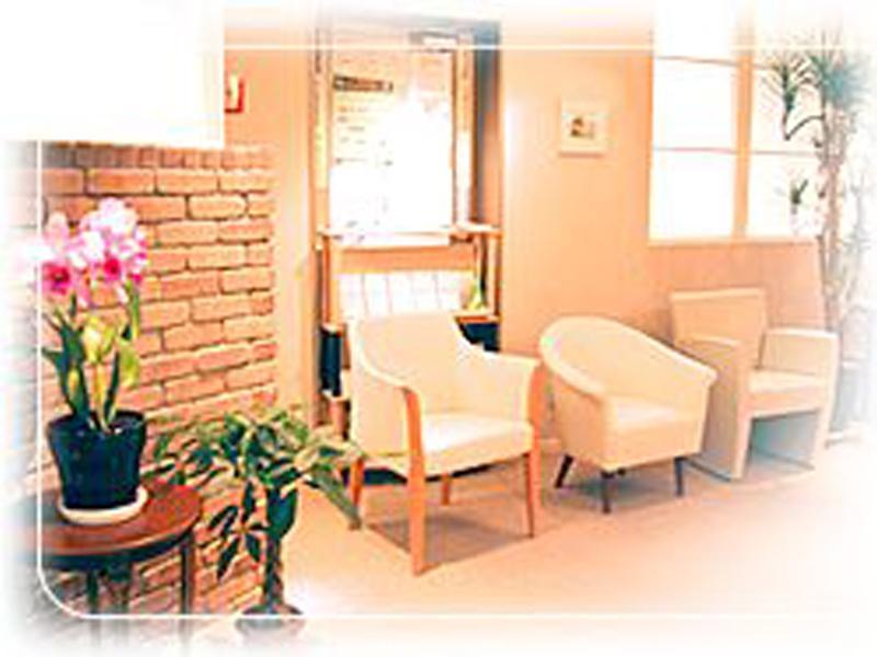 待合室 不安と緊張を和らげるよう配慮された院内設備