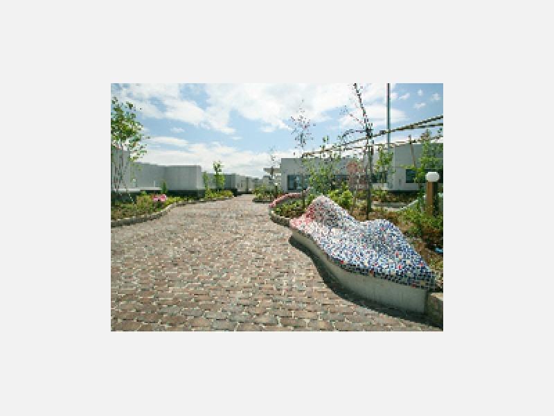 屋上には庭園を設置し、憩いの空間を提供