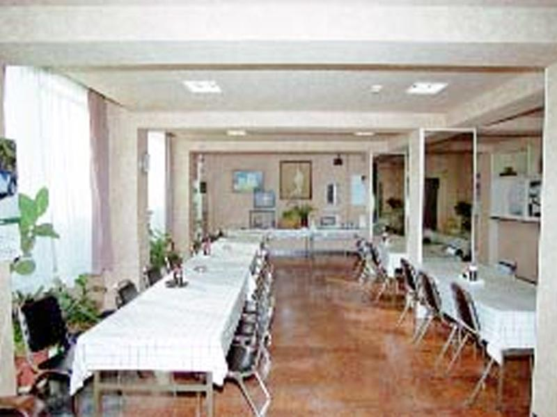朝・夕2食付 1階の食堂でどうぞ!