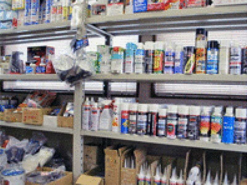 ▲塗料、化学製品、スプレー缶