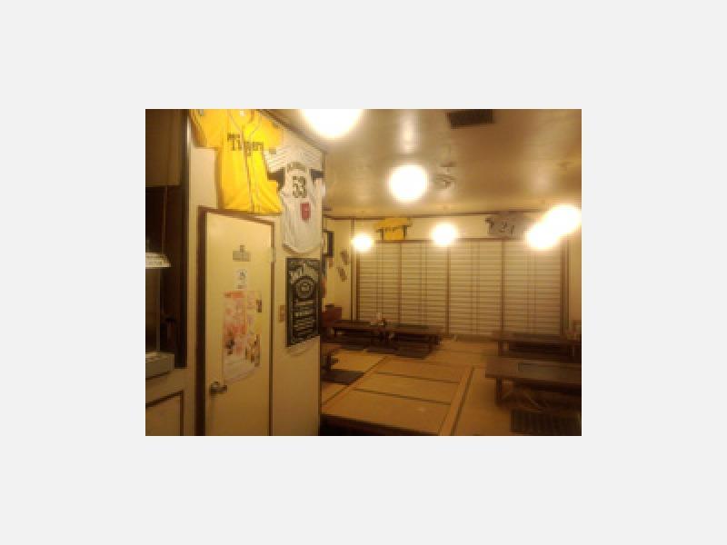 阪神タイガースファンの集まる店としても有名です。