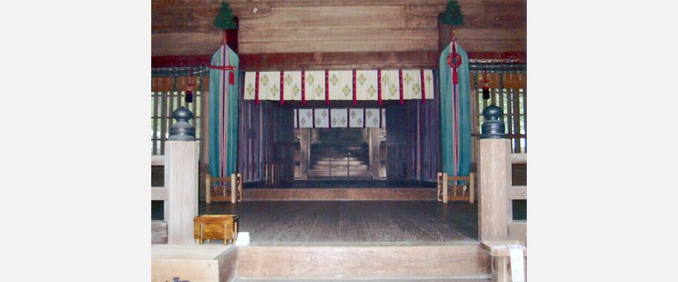 伯耆国の一ノ宮として信仰を集め、格式の高い神社