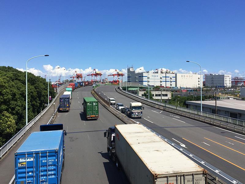 行方市の吉藤運送株式会社では、すべてのお客様にとっての最適な物流パートナーを目指しています。