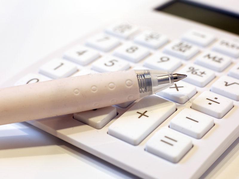 記帳代行、経営分析など会計業務お任せ下さい