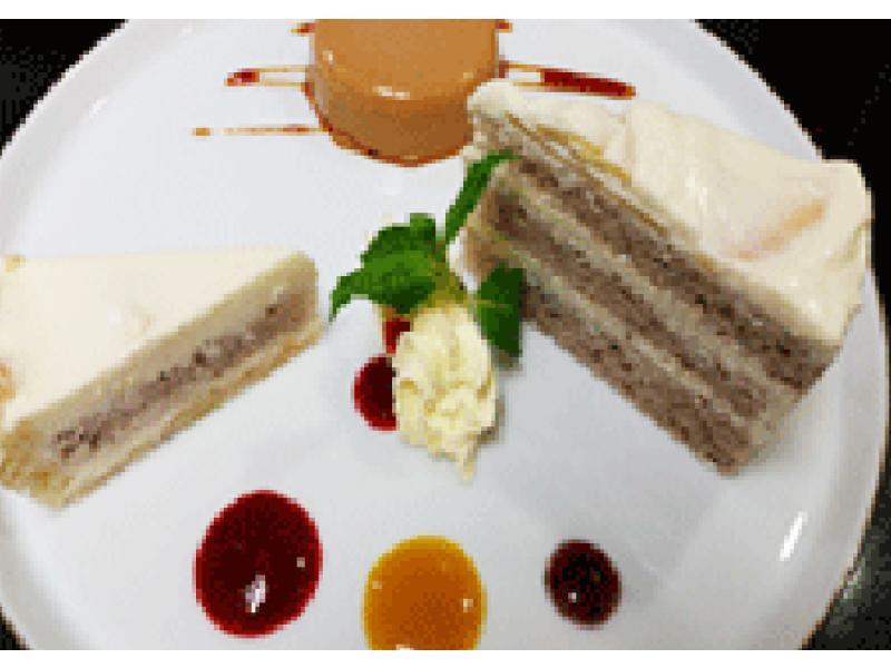 お得なケーキセット飲み物付き¥1,000(税抜)