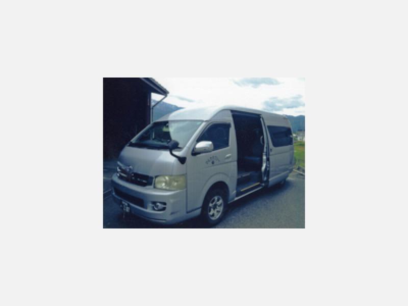 9人乗りジャンボタクシーで観光旅行も御利用下さい。