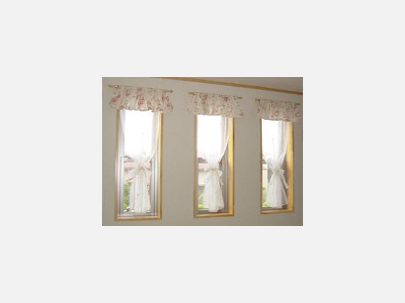ふた窓をひとつの窓のイメージで見せます。