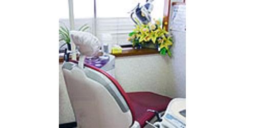 岡田歯科医院ロゴ