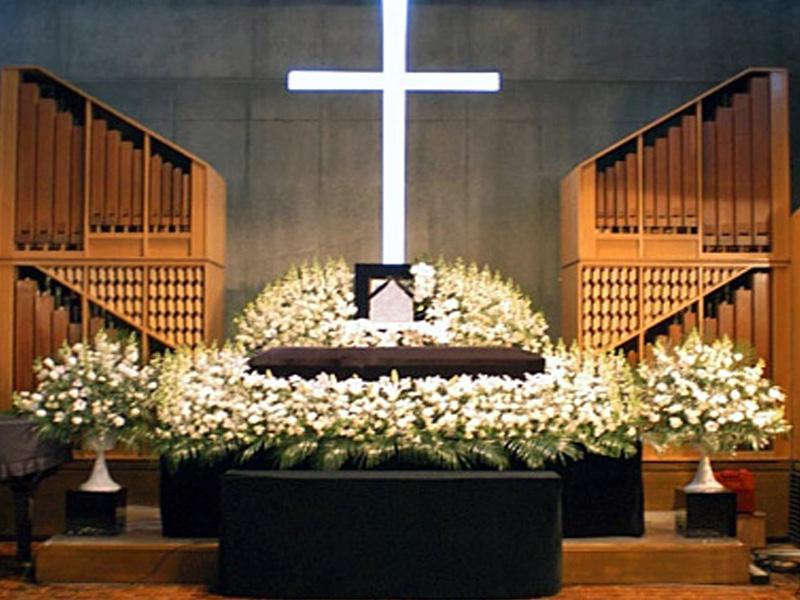 区民葬・家族葬・社葬・お別れ会など様々な葬儀に対応