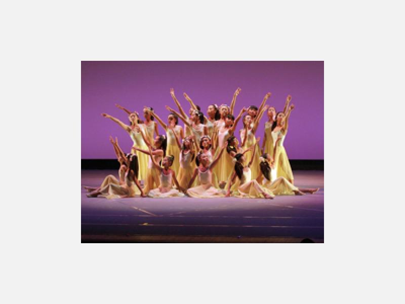 富士吉田市のダンススタジオへ遊びに来てください。