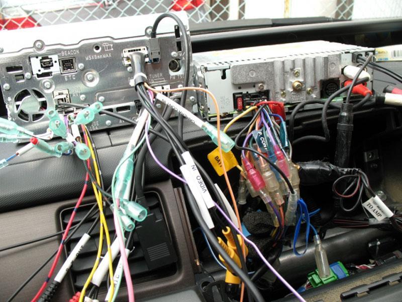 自動車電装品修理します