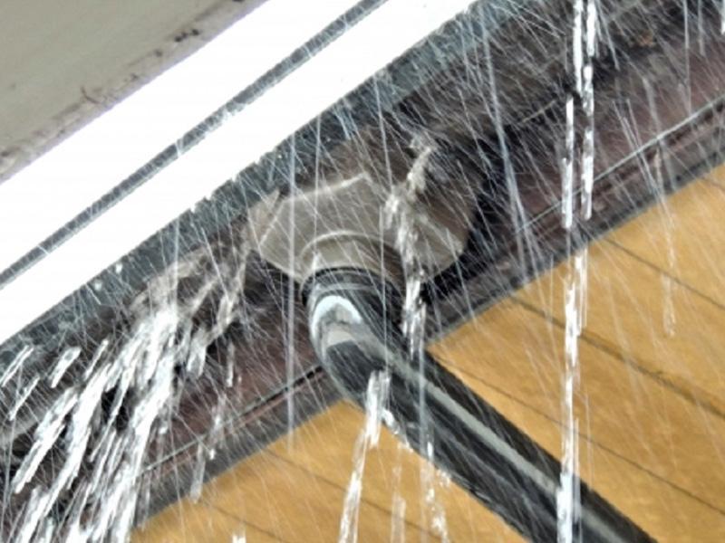 ※雨漏り修理は、板金工事店の専門、得意分野です!