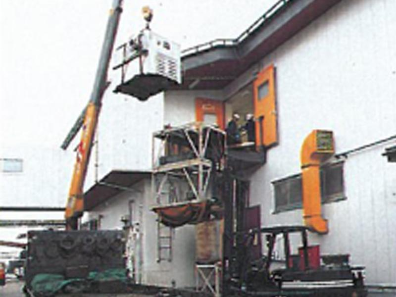 2階や3階の上層階への搬入・据付設置工事も可能です