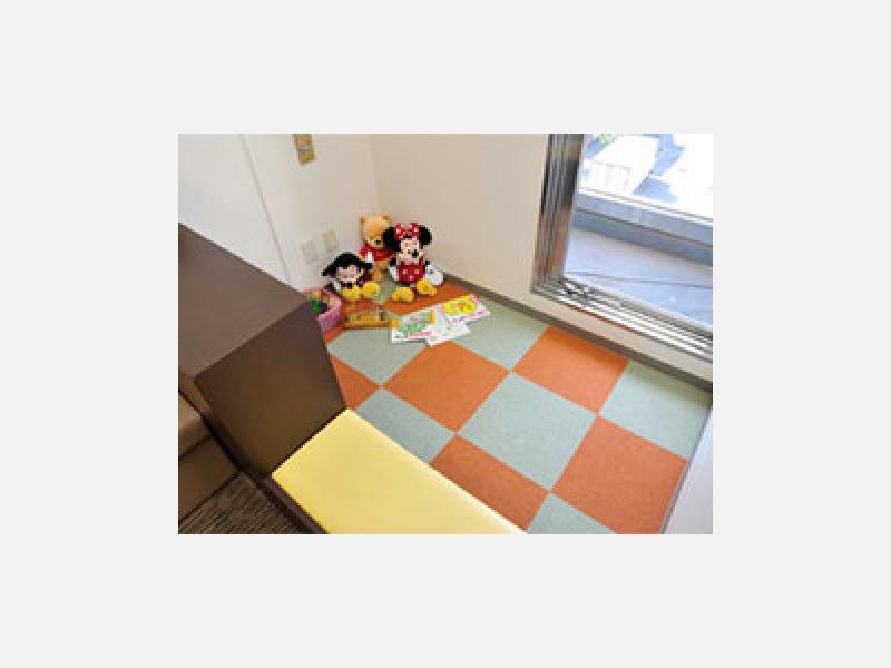 ▲キッズコーナー:おもちゃや絵本がそろっています
