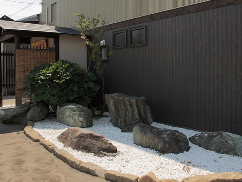 外観/趣のあるお庭