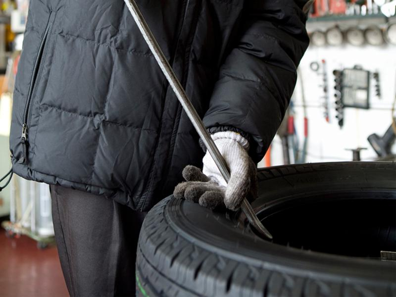 清水タイヤ工業株式会社は矢島警察署ななめ向い