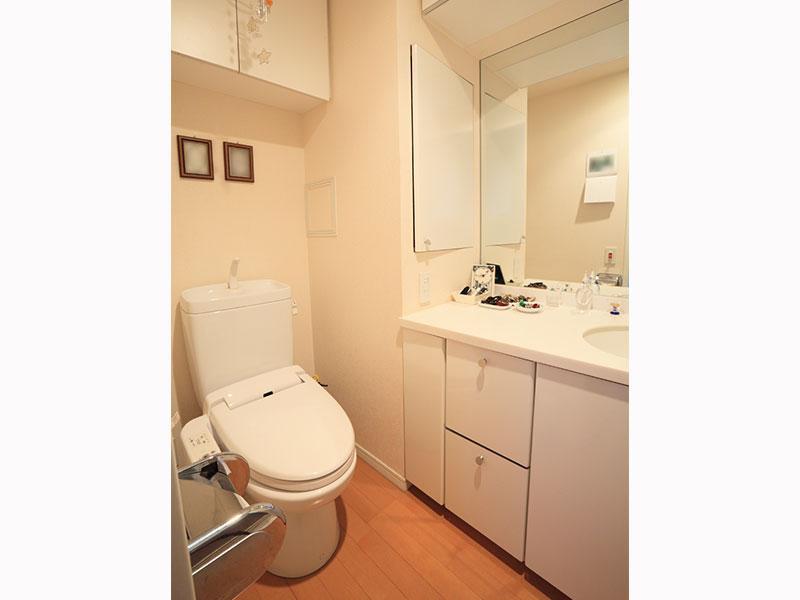 「トイレが詰まって流れない…」などトイレのトラブル