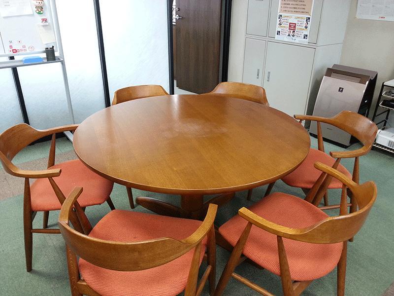 勉強会、親睦会を開催し、お客様同士の交流も深めております。