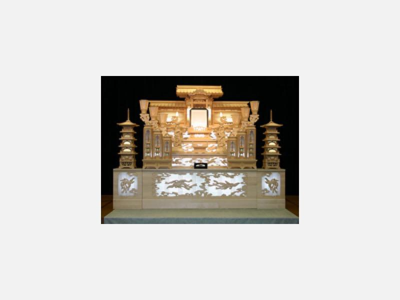 白木祭壇 570,000円(税抜)