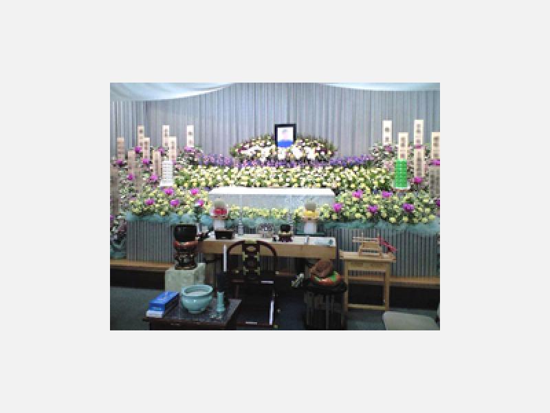 生花祭壇 750,000円(税抜)
