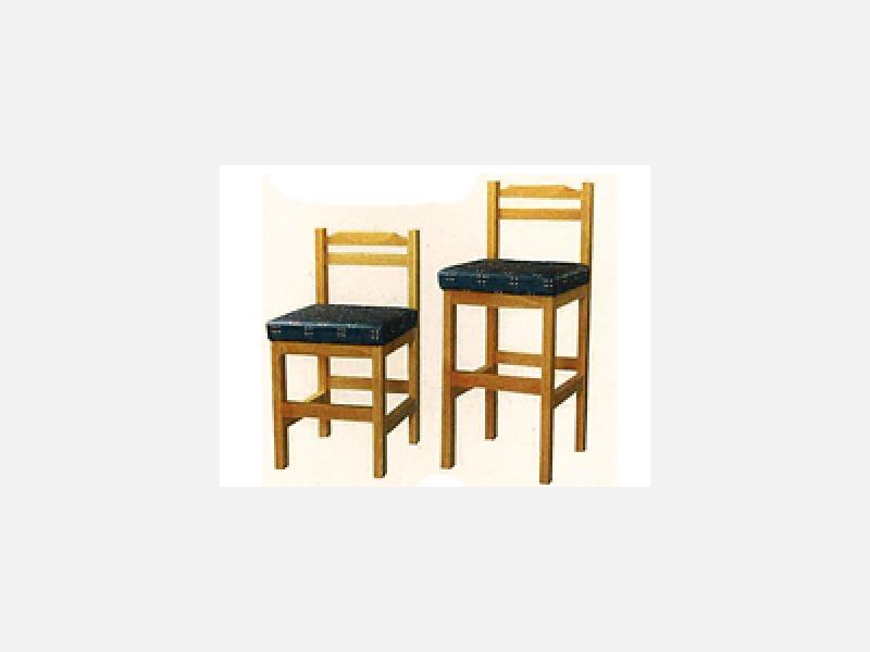●イス・テーブルの修理・塗り替えも承ります。