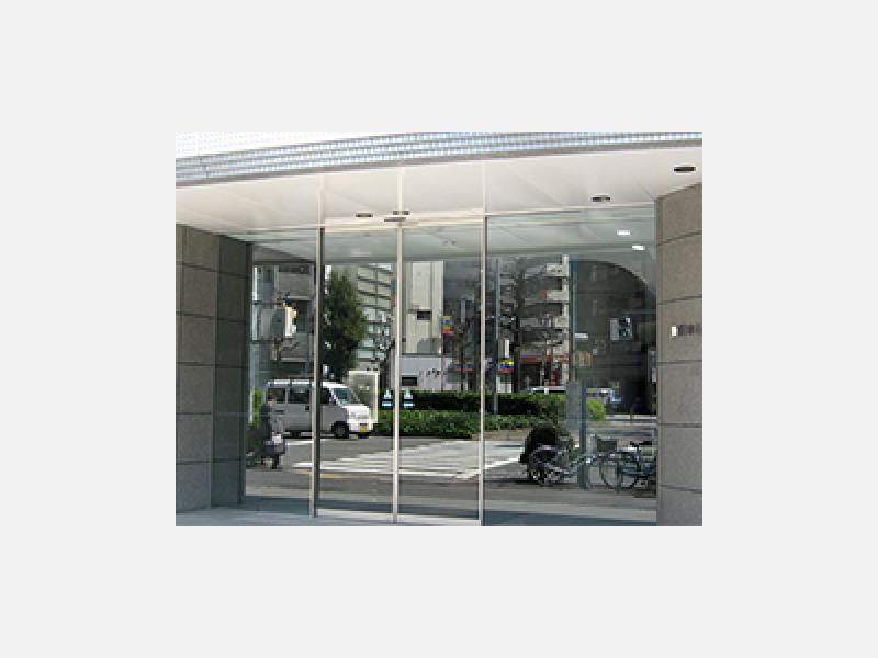 さいたま市緑区のアルミ建材・自動ドア設置☆ビルの設置例
