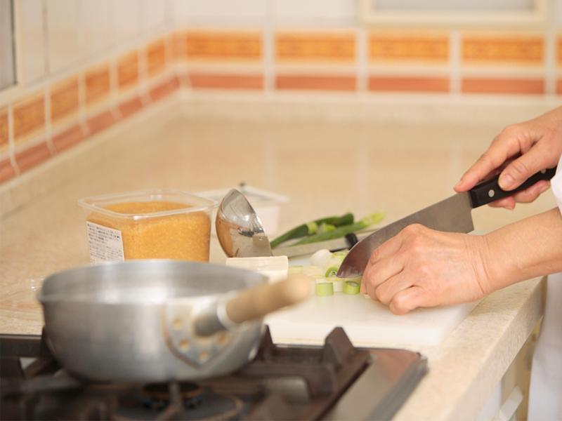 調理、食事の後片付け
