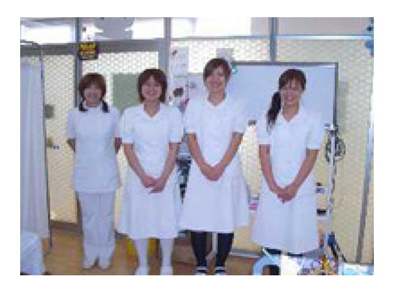 受付事務3名、看護2名の5人のスタッフ