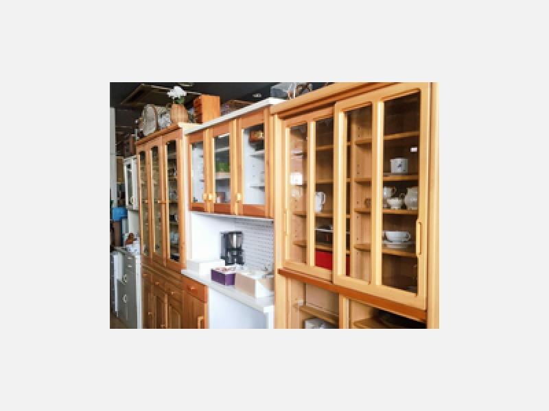 中古家具の販売から設置、移動や不用品買取