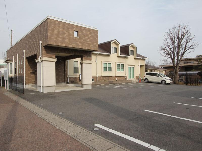 前橋市【狩野外科医院】 駐車場ございます