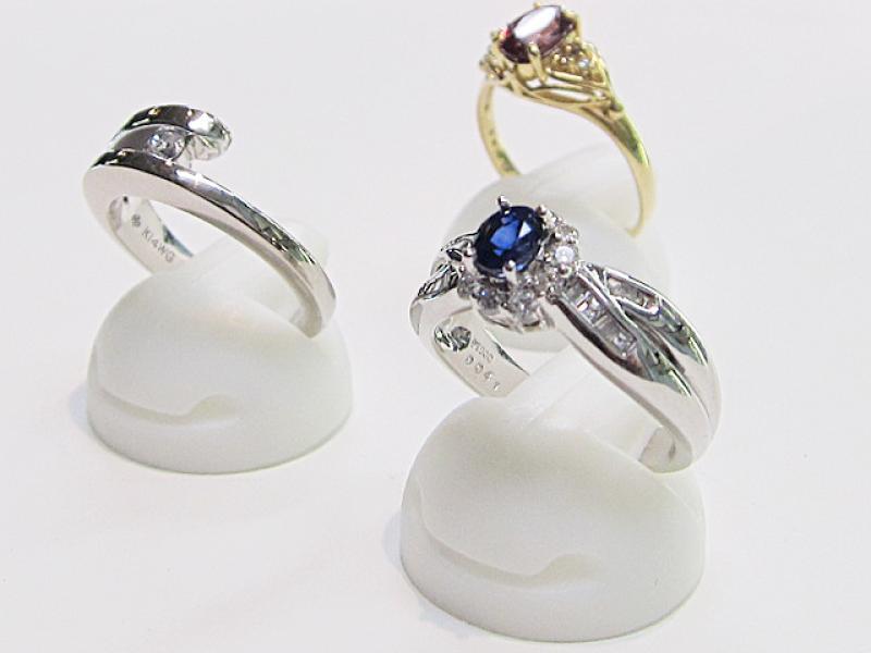 指輪などの宝石買取