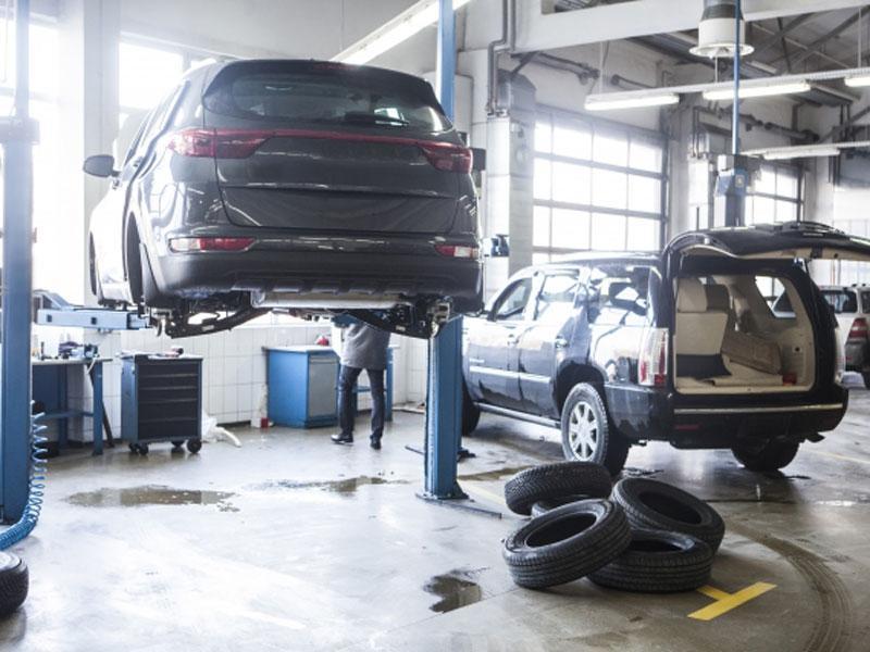 フレーム修正機による特殊車体整備可