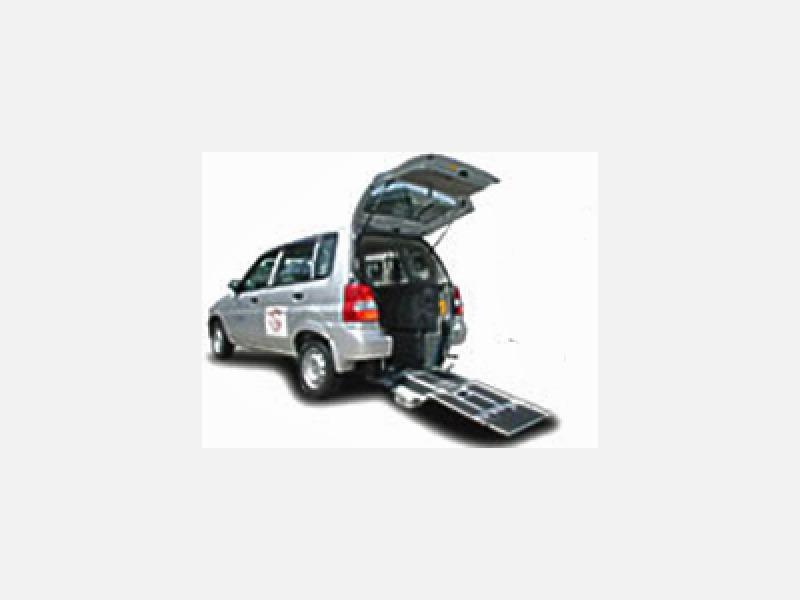 スロープ付タクシー
