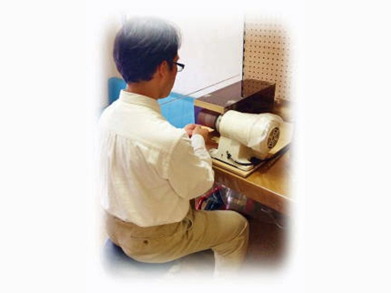 <足底板療法> オーダーメイドのインソールの作製