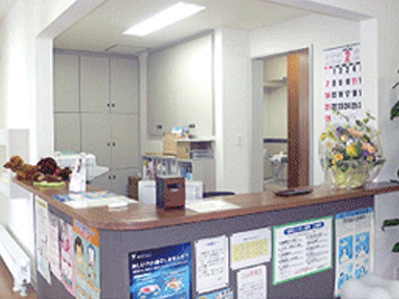 受付・待合室 明るく開放的な待合室
